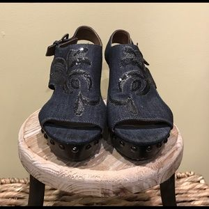 Authentic Donald Pliner Wedges-Gently Used 8M